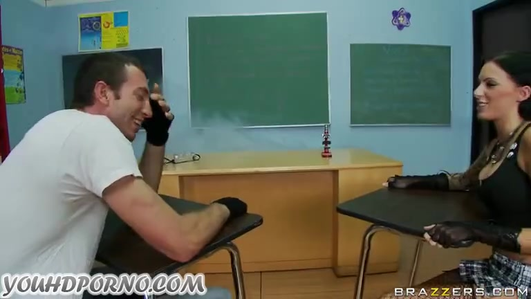 Трах в кабинете директора