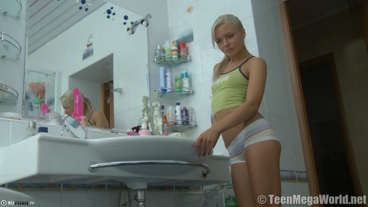 порно с очаровательной блондинкой онлайн