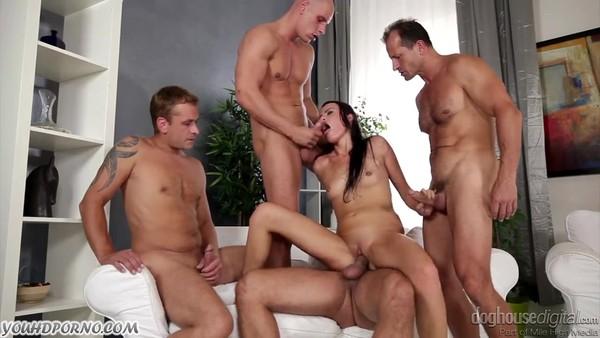 Гарячи секс групповой фото 72-233