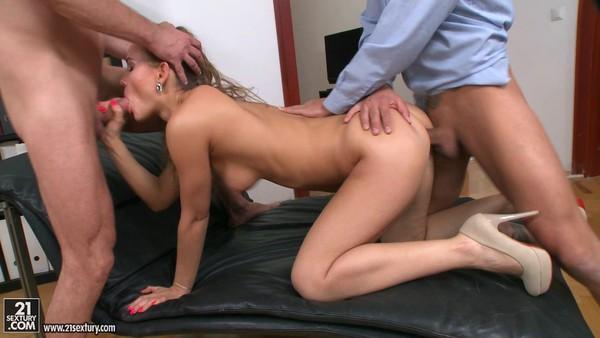 Порно русское в кабинете двойное проникновение фото 658-222