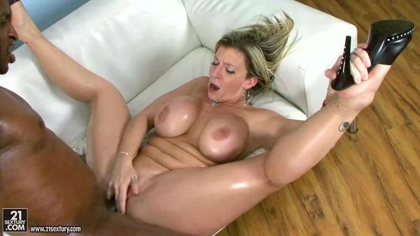 Познакомились со зрелой и трахнулись порно смотреть онлайн фото 532-811